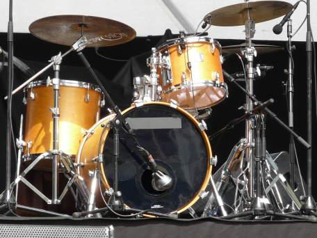 batterie grosse caisse toms et cymbales. Black Bedroom Furniture Sets. Home Design Ideas